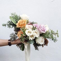 Impromptu bridal bouquets.. sometimes they're the very best! By @heather_page 👏🏻