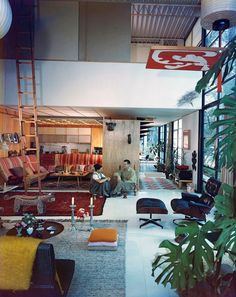 Eames House, Pacific Palisades CA, USA (1949)byCharles & RayEames,photography by Julius Shulman (J.Paul Getty Trust, Getty Research Institute, Los Angeles),fromInside Utopia, © Gestalten 2017.