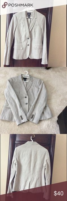 J, Crew (retail) Schoolboy Blazer EUC no stains or tears. Looks great with jeans or dressed up J. Crew Jackets & Coats Blazers