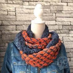 Kijk wat ik gevonden heb op Freubelweb.nl: Prachtige colsjaal van Jellina Creations http://www.freubelweb.nl/freubel-zelf/zelf-maken-met-haakgaren-sjaal/