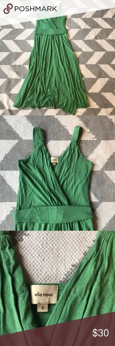 """Green Dress Beautiful green Ella Moss dress purchased at anthropologie. Wrap front with removable sash. Dress is midi length on me and comes just below my knees and I am 5' 6"""". Skirt is two layers of fabric which gives it a beautiful swing. Fabric is stretch jersey. Ella Moss Dresses Midi"""