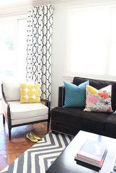 BDG Style: Living Room Family Room Portfolio-love the rug My Living Room, Home And Living, Living Spaces, Mt Design, House Design, Living Room Inspiration, Home Decor Inspiration, Decor Ideas, Living Room Turquoise