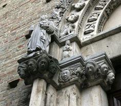 Donne di pietra | Atri, Abruzzo, Italia #BrillanteSeverina