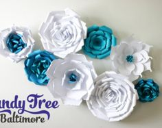 Posh paper flowers / Paper Flower Backdrop by CandyTreeBaltimore