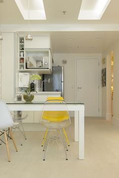 Tiny Flat in Copacabana Making the Most of Its 45 Sqm Surface