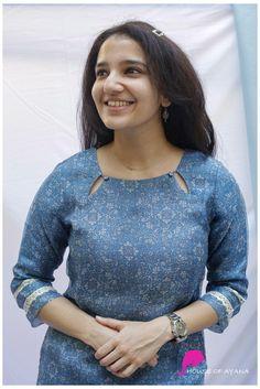Churidhar Neck Designs, Salwar Neck Designs, New Kurti Designs, Neck Designs For Suits, Churidar Designs, Kurta Neck Design, Neckline Designs, Sleeves Designs For Dresses, Kurta Designs Women