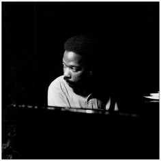 Sonny Clark at his Leapin' and Lopin' session, Englewood Cliffs NJ, November 13 1961 (photo by Francis Wolff) All About Jazz, All That Jazz, Jazz Artists, Jazz Musicians, Francis Wolff, Hard Bop, Musician Photography, Cool Jazz, Jazz Blues