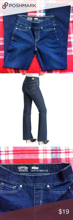 Levi's Totally Shaping Pull-On Bootcut Totally Shaping Pull-on Boot Cut Jeans are Jeans That Love Your Shape! Our innovative construction and high stretch denim combine for a flawless, beautiful fit and all day comfort. Levi's Jeans Boot Cut