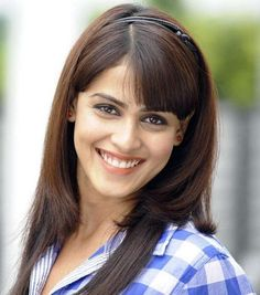 Genelia D'Souza Deshmukh #Style #Bollywood #Fashion #Beauty