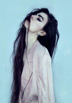 Violet Ell.