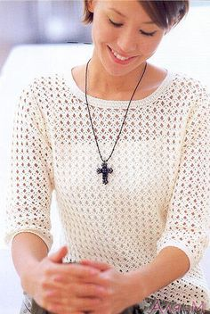 Lace Crochet Top Pattern with three quarter sleeves. Pull Crochet, Mode Crochet, Crochet Shirt, Easy Crochet, Knit Crochet, Crochet Gratis, Crochet Sweaters, Crochet Tops, Patron Crochet
