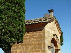 Reloj de Sol sobre capilla junto a la Ermita de San Cristobal. Calaceite. Teruel. Spain.   [By Valentín Enrique].