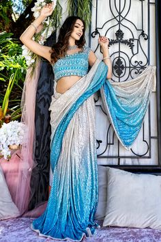 Indian Bridesmaid Dresses, Bridesmaid Outfit, Bridesmaids, Groomsmen Outfits, Bridal Packages, Indian Bride And Groom, Indian Bridal Lehenga, Lehenga Saree, Indian Attire