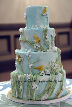 birds_and_branches_cake_rs_wm.jpg 389×583 pixels