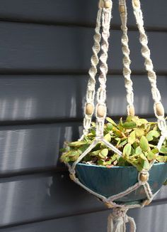 B: good refresher tutorial! How To Make A Macrame Hanging Planter http://www.homedit.com/macrame-hanging-planter/