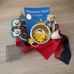 1 blast off! This story basket was great for star and space enthusiasts. It also was loved by those who liked to dress up and use their imaginations. This is the second time I have made a story basket for this book Whatever next! Felt Board Stories, Felt Stories, Hands On Learning, Learning Through Play, Jill Murphy, Rookie Mistake, Tuff Tray, Preschool Literacy, Child Love