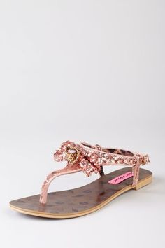 Betsey Johnson shoes on HauteLook = happy girl