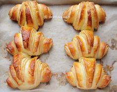 Croissante - Desert De Casa - Maria Popa Sweets Recipes, Cooking Recipes, Healthy Recipes, Desserts, Healthy Foods, Pastry And Bakery, Bread And Pastries, Good Food, Yummy Food