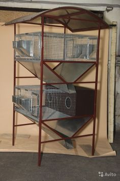 how to make a poop shoot for rabbit cage Guinea Pig Hutch, Bunny Hutch, Raising Quail, Raising Rabbits, Bunny Cages, Rabbit Cages, Chicken Cages, Diy Chicken Coop, Rabbit Farm