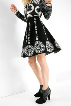 Desigual Black and white pleated skirt. Discover the most sophisticated range with Desigual by L! White Pleated Skirt, Spring Outfits Women, Monochrome Fashion, Online Fashion Stores, Spring Summer 2015, Skirt Outfits, Designer Dresses, High Waisted Skirt, Clothes For Women