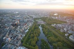 Dizzying Aerial Photos Of London: St James's park, The Mall and Buckingham Palace.