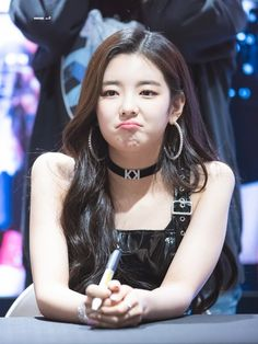 Find images and videos about kpop, itzy and lia on We Heart It - the app to get lost in what you love. Kpop Girl Groups, Korean Girl Groups, Kpop Girls, K Pop, Hoseok, Rapper, Sana Momo, Fandom, Summer Baby