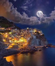 Manarola, Italy Photography by Dream Vacations, Vacation Spots, Italy Vacation, Vacation Villas, Places To Travel, Places To See, Wonderful Places, Beautiful Places, Amazing Places