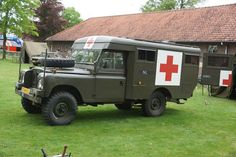 Land Rover 109 inch Ambulance, Landmachthistorie Oirschot 2012. | Flickr - Photo Sharing!