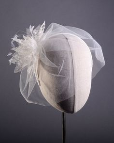 Lily - Blusher veil bridal with lace flowers by Cappellino Millinery