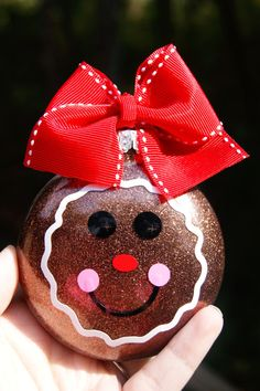 Learn about Homemade Christmas Decorations Gingerbread Ornaments, Diy Christmas Ornaments, Christmas Projects, Holiday Crafts, Holiday Fun, Christmas Decorations, Ornaments Ideas, Homemade Ornaments, Glitter Ornaments