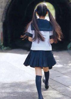 女子高生 セーラー服 かわいい 百合 ツインテール
