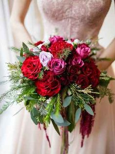 The Bouquet You Should Choose Based on Your Zodiac Sign | TheKnot.com