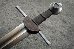 Explore maciej_kopciuch's photos on Flickr. maciej_kopciuch has uploaded 1455 photos to Flickr. Larp Sword, Sword Hilt, Fantasy Sword, Fantasy Weapons, Sword Reference, Sword Design, Medieval Weapons, Swords And Daggers, Arm Armor