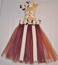 Custom tan/brown tutu hair bow holder!