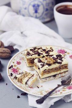 Coconut, vanilla buttercream and nuts cake