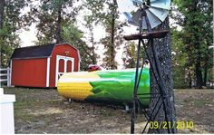 Cob of corn propane tank art Propane Tank Art, Cool Tanks, Awesome Tanks, Farm Projects, Diy Projects, Diy Monogram, Old Country Stores, Farm Art, Corn On Cob