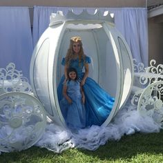 Carmen D's Birthday / Cinderella - Bella's Cinderella party at Catch My Party Cinderella Theme, Cinderella Birthday, Princess Theme, Princess Birthday, Bday Girl, Party Props, Party Ideas, Quinceanera Party, Baby Shower Parties