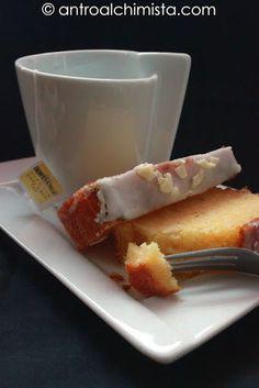 Plumcake al Limone e Latte Condensato - Lemon Cake with Condensed Milk Condensed Milk Pound Cake Recipe, Condensed Milk Recipes, Baking Recipes, Dessert Recipes, Dessert Ideas, Delicious Desserts, Yummy Food, Brownies, Muffins