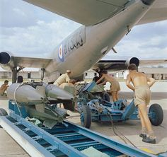 English Electric Canberra of No 6 Squadron is seen 'bombing up' at RAF Tengah between May and August while on detachment from the Akrotiri based Near East Air Force Strike Wing. Military Jets, Military Aircraft, English Electric Canberra, Malayan Emergency, V Force, War Jet, Air Force Aircraft, Royal Air Force, Royal Navy