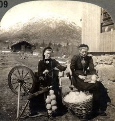 """free-to-be-scotty: """" carding & spinning in norway ~ spinning through time wordpress """""""