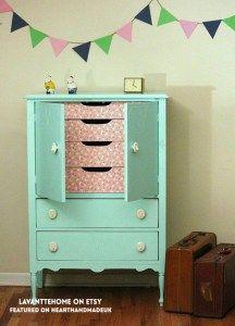 Omg As cores são simplesmente perfeito!  Esta é uma reforma dresser incrível!  Amar este post - 20 Idéias Móveis Fabulous