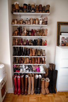 Optimize your wardrobe area with these practical wardrobe organization concepts! We have actually gathered tons of motivation as well as methods for maximizing storage room room with different styles and modern-day layouts. Closet Shoe Storage, Shoe Shelves, Diy Shoe Shelf, Shoe Closet Organization, Storage Room, Wardrobe Organisation, Home Organization, Organizing, Shoe Wall