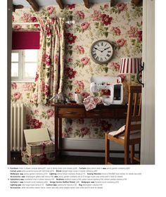 Find sophisticated detail in every Laura Ashley collection - home furnishings, children's room decor, and women, girls & men's fashion. English Cottage Style, English Country Style, Vintage Sofa, Retro Vintage, Laura Ashley Home, English Decor, Interior Decorating, Interior Design, Cottage Interiors