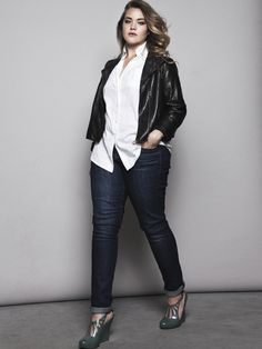 Plus size fashion cool jeans and leather look, love the white shirt and rolled pant legs grey shoes look amazing