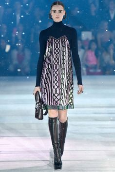 Christian Dior Pre-Fall 2015 Fashion Show - Estella Brons