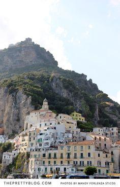 Honeymoon in Italy's Romantic Amalfi Coast | {Honeymoons} | The Pretty Blog