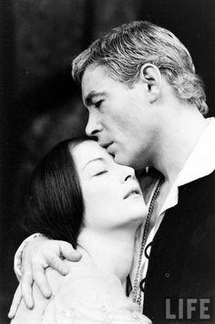 Peter O'Toole & Rosemary Harris in Hamlet