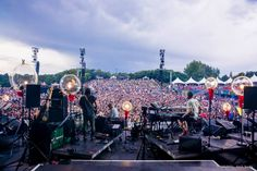 A disabled gentleman crowdsurfed and joined a band on the mainstage in this beautiful clip. (via: Eva Blue)  Apart from all the negative news that we come across when conducting a thorough post mortem of a music festival, there are stories that delight us beyond words. At the recently concluded Osheaga Music Festival in …