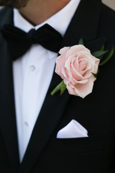 All around elegance from this groom: http://www.stylemepretty.com/illinois-weddings/chicago/2014/09/18/elegant-museum-wedding-in-chicago/ | Photography: Emilia Jane - http://emiliajanephotography.com/