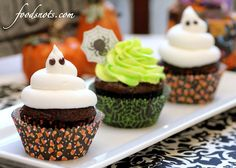 Glow-in-the-dark cupcakes!!  Brilliant!  I can't wait to make these for Halloween!